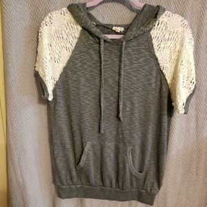 Lightweight hooded top with short lace sleeves